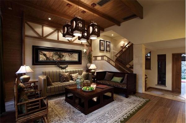 东南亚装修风格总是能让我们感受到来自热带雨林的自然之风,它利用独特的设计元素展现出特有的魅力。东南亚风格小别墅设计中我们可以感受到原汁原味的东南亚魅力。东南亚风格之所以渐渐成为别墅装修潮流的原因是它有着独特的韵味和迷人的热带风情,能让我们在家中感受到东南亚的民族特色。  东南亚风格小别墅设计家具搭配效果图片引用欣赏 东南亚风格小别墅设计的家具往往带着十分吸引人的自然之美,有着一股当地的民族特色,喜欢东南亚风格家具的人也正是因为他有着原始的纯朴自然,让我们躁动的心跟着它回归到了宽阔无垠的大自然中感受那份宁静